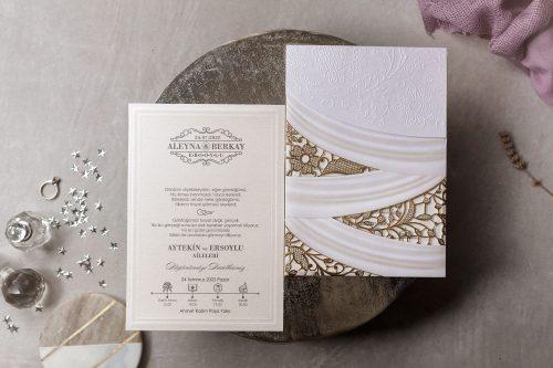 Luxe huwelijkskaart met lasercut omslag