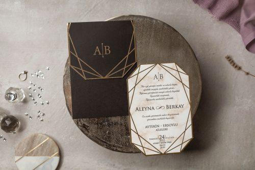 Moderne trouwkaart met goudfolie op marmeren look kaart